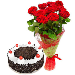 Creamy Anniversary Black Forest Cake with Eye-Catching Red Rose Bouquet