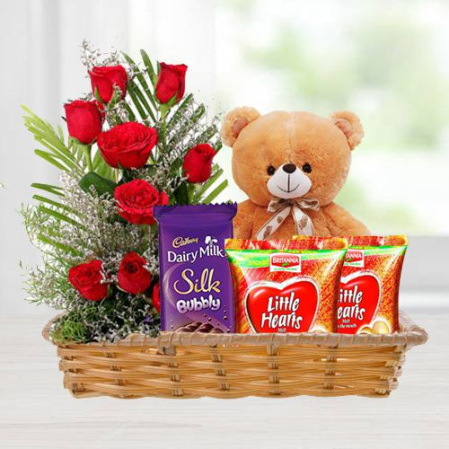 Online Gift Combo of Love Gifts N Red Roses