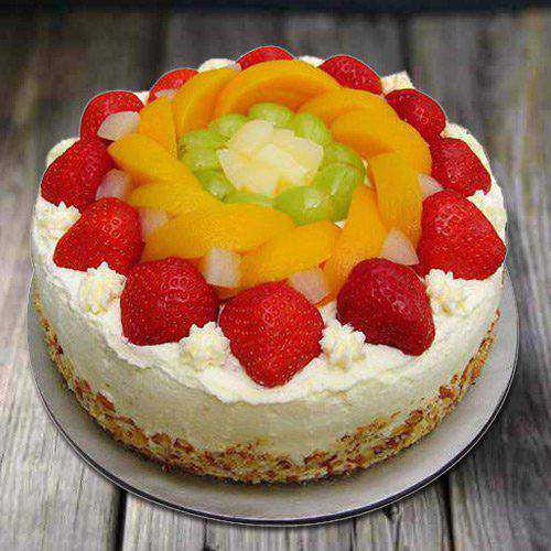 Extra Creamy 1 Kg Eggless Fresh Fruit Cake