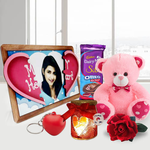 Delightful Magnetic Heart with Handmade Chocolates n Candles