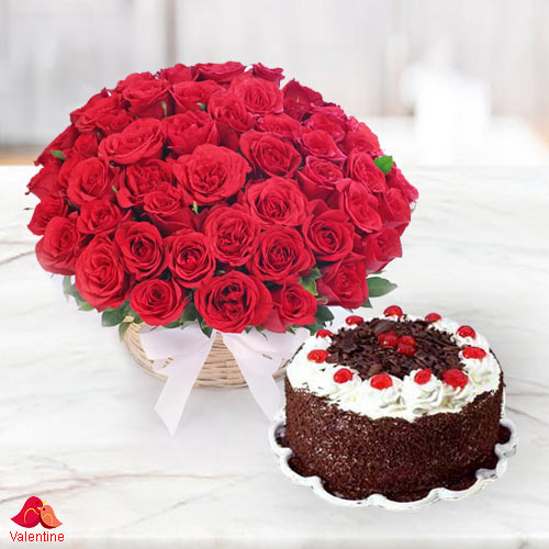 Astounding 50 Dutch Red Roses with 1 Kg 5 Star Bakery Cake
