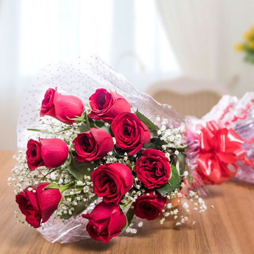 Attractive Red Roses Bunch