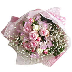 Alluring Bouquet of Pink N White Roses