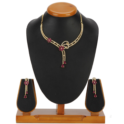 Perfect Sparkle Necklace with Earrings Set