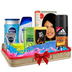 Lovable Men�s Freshness Hamper